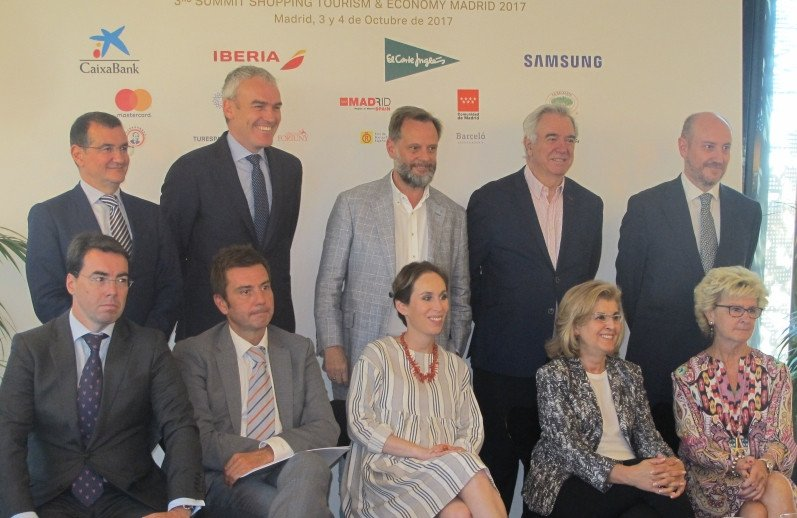 Los organizadore del Summit Shopping Tourism