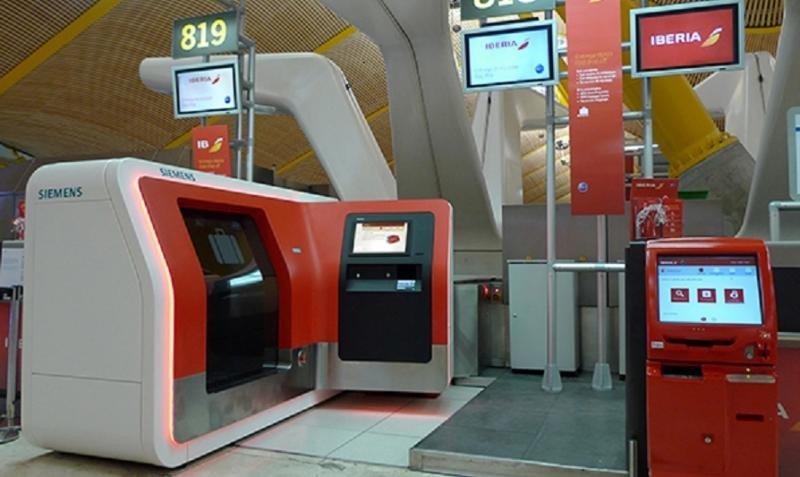 Iberia implantó hace más de un año el auto check-in y la auto facturación de equipaje en su hub en la T4 de Madrid-Barajas.