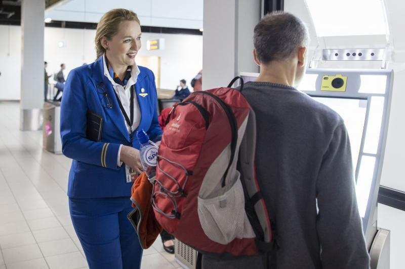 Imagen: pruebas de embarque biométrico llevadas a cabo por KLM
