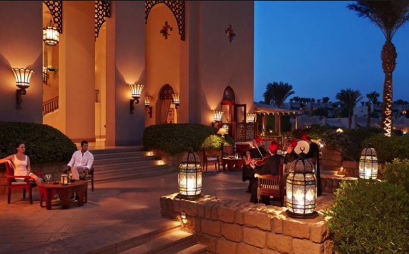 Un príncipe saudí invertirá 669 M € en proyectos hoteleros en Egipto