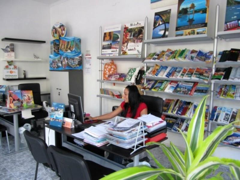 Casi 1.300 agencias cerraron en México en tres años
