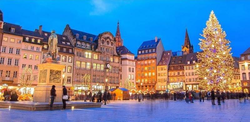 Con los cruceros de CroisiEurope por el Rin o el Danubio se pueden visitar los mercados navideños de ciudades como Estrasburgo, Colmar, Viena o Budapest, entre otras.