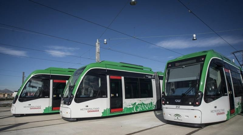 Vagones del Metro de Granada (Foto: Delegación del Gobierno de la Junta de Andalucía en Granada).