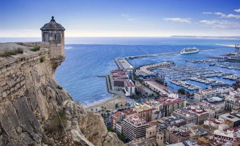 Alicante bate su récord de ocupación en verano superando el 90%