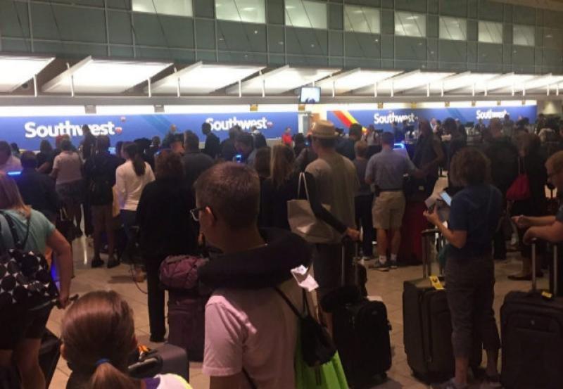 Colas en los mostradores de Southwest, en el aeropuerto de Washington.
