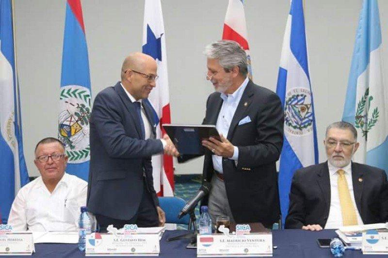 Gustavo Him recibió la presidencia pro témpore del CCT de Mauricio Ventura de Costa Rica.