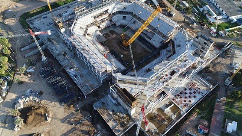 El complejo Antel Arena se encuentra en construcción y se espera que sea inaugurado a mediados de 2018. Foto: Subrayado.