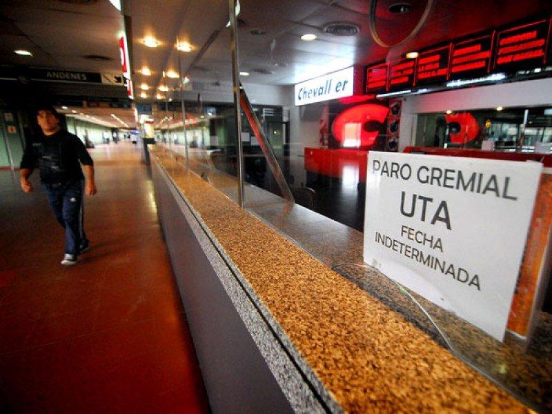 Paro de choferes en seis empresas de ómnibus de Argentina