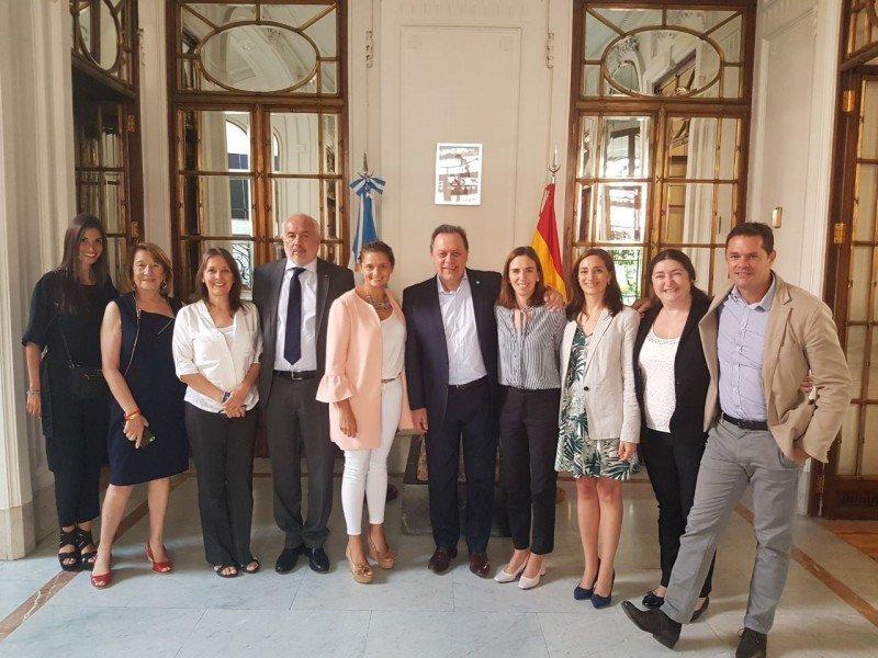 Gustavo Santos encabezó la apertura de una oficina de turismo en Madrid, la cual funcionará en la Embajada Argentina en España.