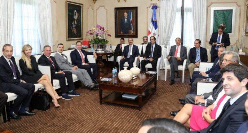 Inversores y miembros del gobierno anuncian un proyecto millonario en República Dominicana.