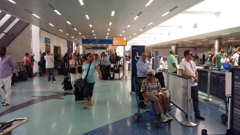 En el Aeropuerto de Orlando las operaciones ya eran normales este viernes.