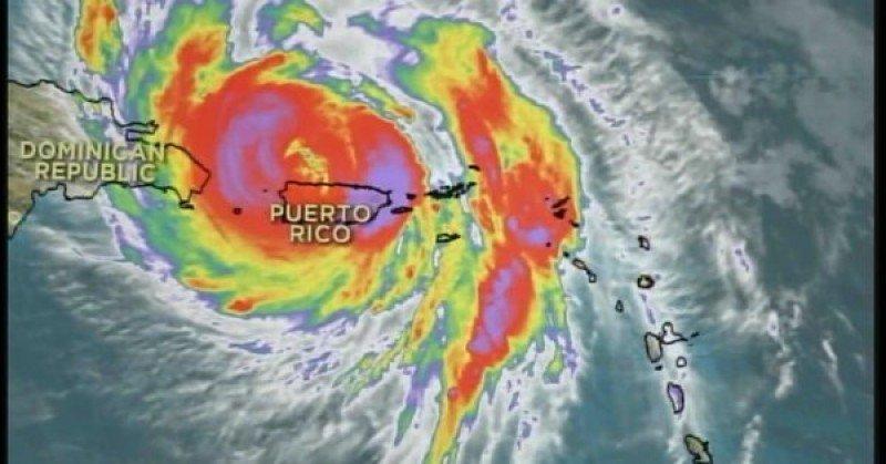El huracán María se redujo a categoría 2 tras atravesar Puerto Rico.
