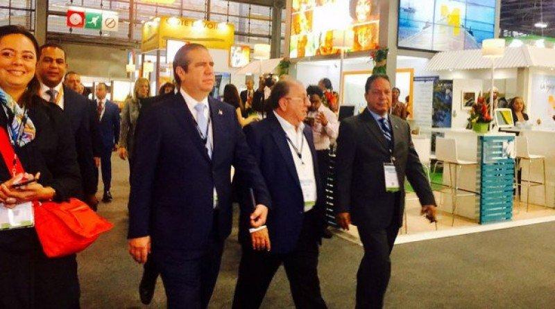 El ministro dominicano en la feria de turismo más importante de Francia, Top Resa. Foto: @ArgenisSuriel01