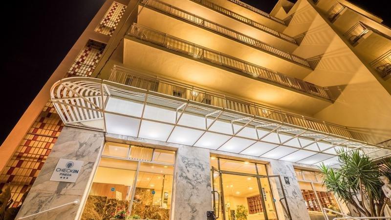 El documento que circula en internet aludía a los hoteles Checkin de Pineda.