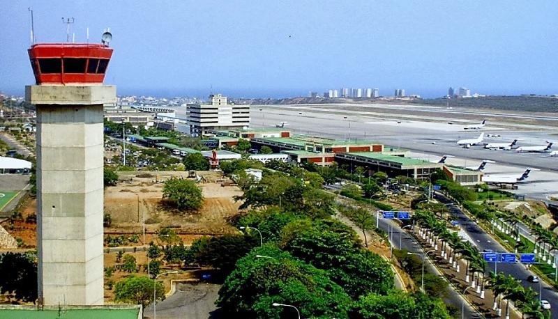 Se vacían la pistas del Aeropuerto Internacional de Maiquetía Simón Bolívar.