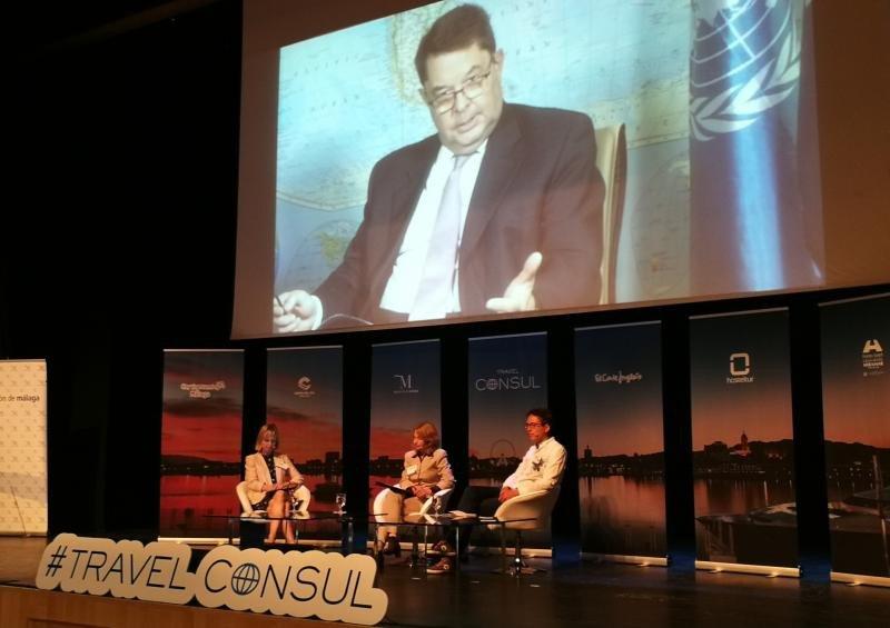 El director ejecutivo de la OMT, Carlos Vogeler, no pudo asistir, encontrándose en México y participó con una entrevista proyectada.