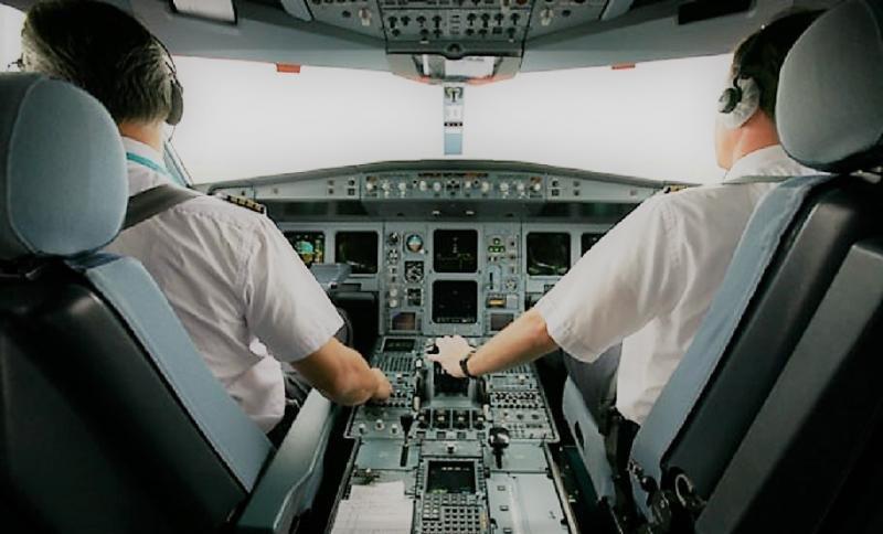 Iberia busca pilotos para 2018 cuando recibe sus nuevos aviones