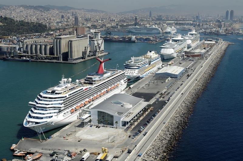 Cruceros en el Puerto de Barcelona.