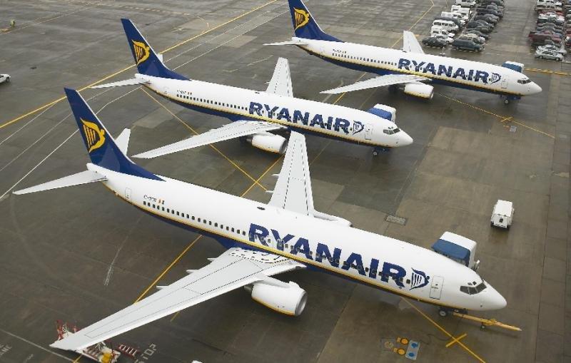 Ryanair cancela 212 vuelos que afectan a nueve aeropuertos españoles