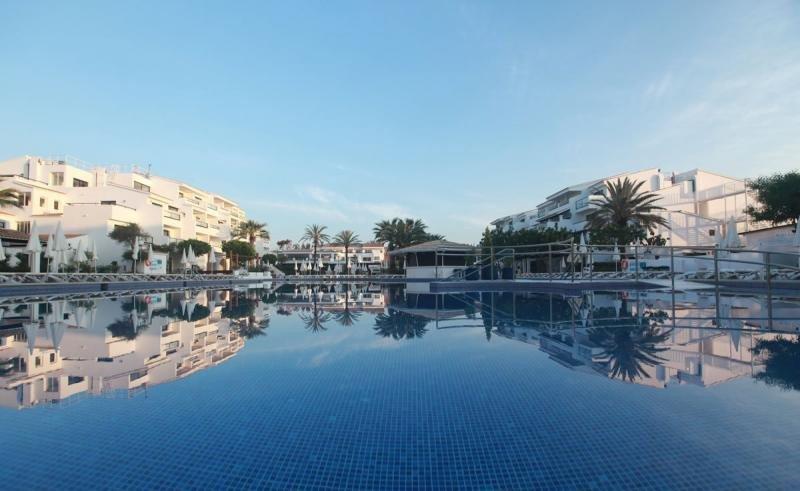 El Hotel Club Bahamas, en Ibiza. Foto: Nordotel.