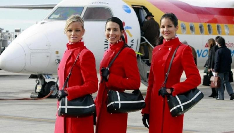 Air Nostrum busca tripulantes de cabina en Menorca