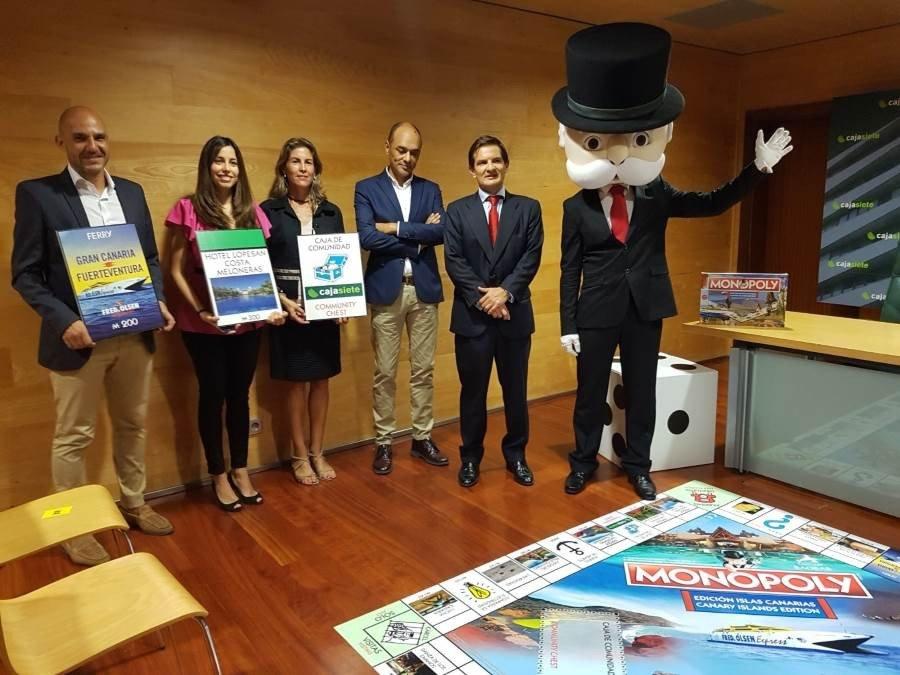 El juego de mesa Monopoly presentó el jueves la edición Islas Canarias con el apoyo de la empresa canaria Lopesan, además de Fred Olsen y Cajasiete.