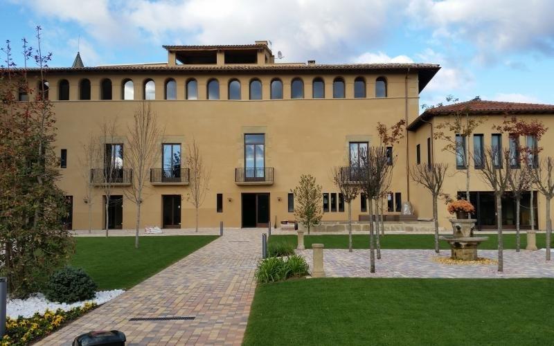 El Convento de Santa Clara de Vic ha salido a la venta por 4,8 millones de euros