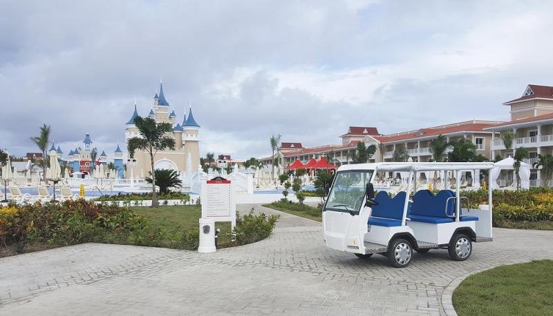 Bahía Príncipe Bavaro Resort se ha convertido en la punta de lanza de la apuesta de Grupo Piñero por la movilidad ecológica, uno de los pilares de su estrategia de sostenibilidad.