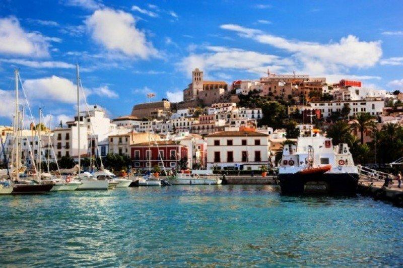 Airbnb, Booking y HomeAway debatirán en Ibiza sobre las viviendas turísticas