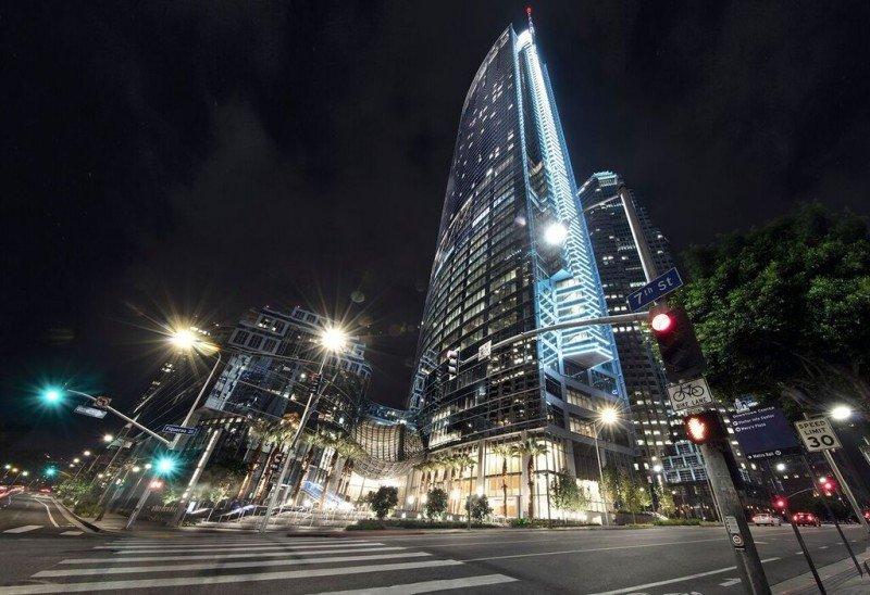 Fachada del InterContinental Los Angeles Downtown.