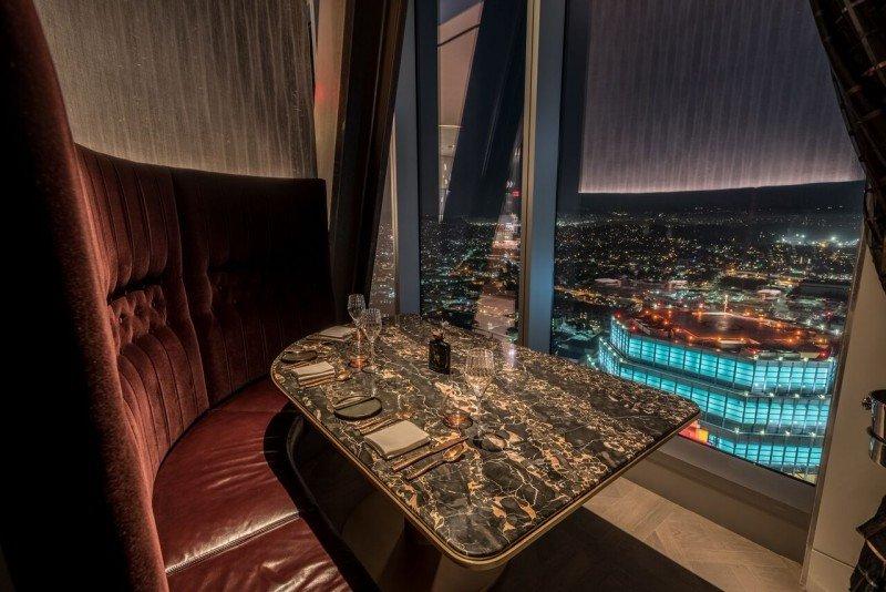 Experiencias gastronómicas con vistas aéreas de Los Angeles.
