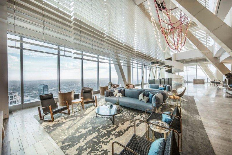 Sky Lobby en el piso 70.