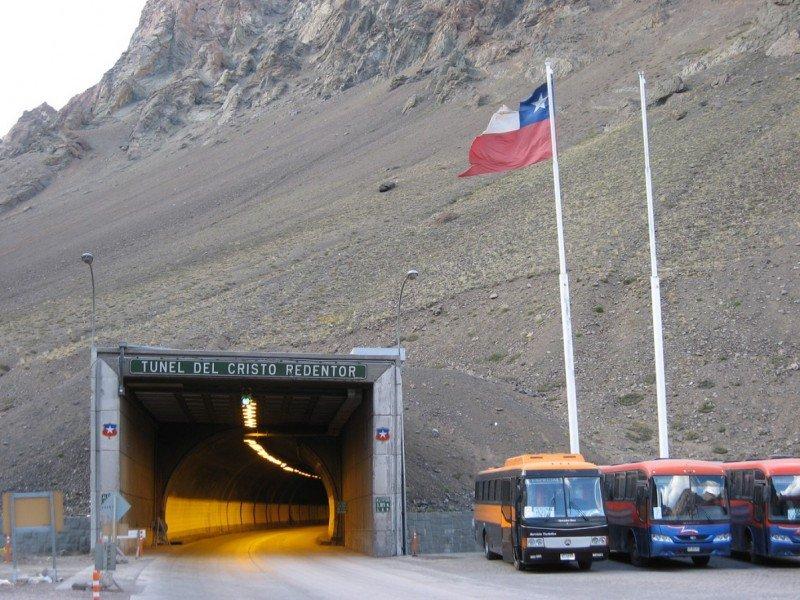 Se espera que el nuevo paso por los Andes absorba parte del tráfico que hoy tiene el Túnel Cristo Redentor. Foto: Mendoza Post.