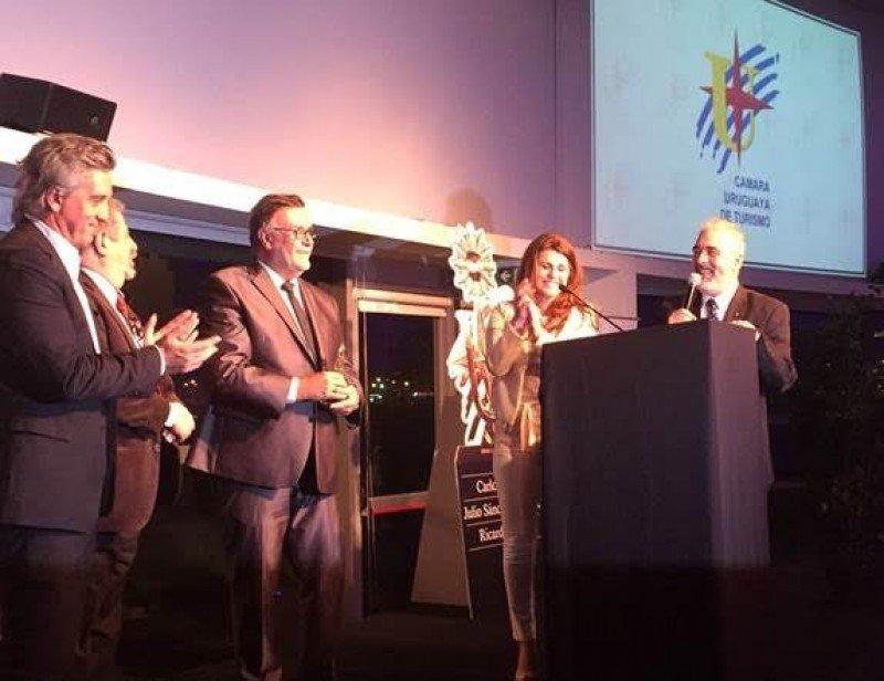 Premiación en la celebración del Día Mundial del Turismo. Foto: Audavi