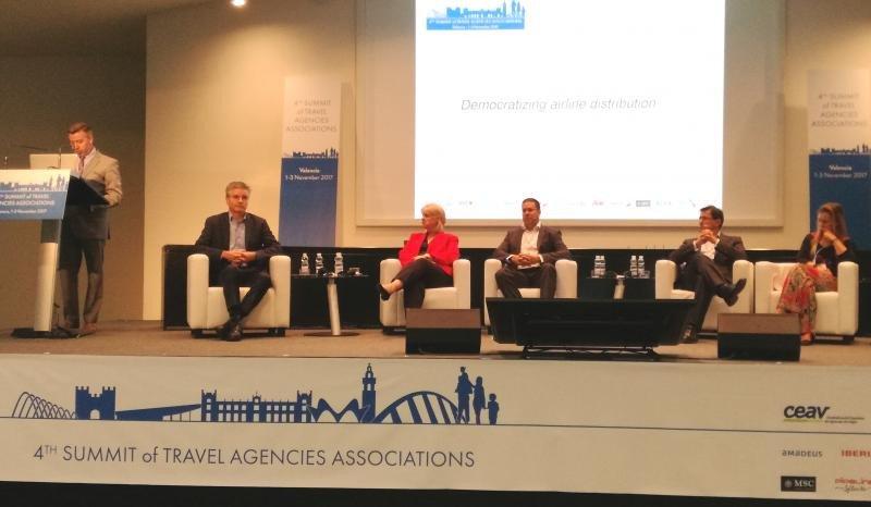 En una de las sesiones de la Cumbre de Asociaciones de agencias participaron representantes de las agencias, de Amadeus y de IATA.