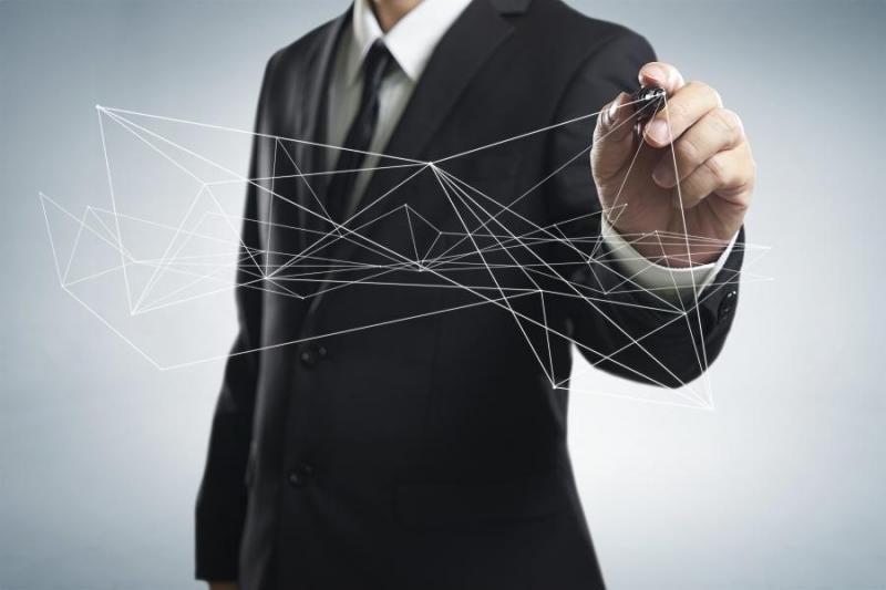 Cada vez es más complicado seguir al cliente a medida que se mueve entre canales online y offline.