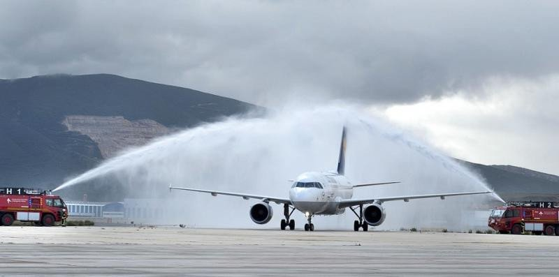 Lufthansa estrena sus vuelos regulares a Pamplona