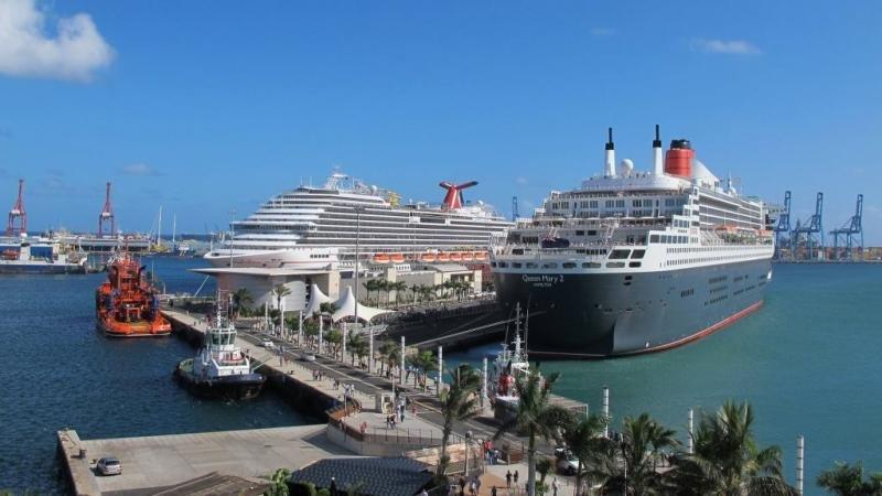 Foto: Cruceros en el Puerto de Las Palmas. @JuanRamónRodríguezSosa.