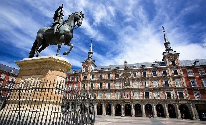 Madrid celebra los 400 años de su Plaza Mayor