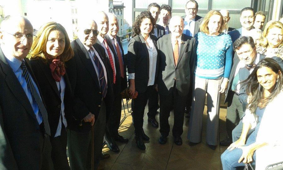 Representantes de la Mesa del Turismo, con su presidente al frente, Abel Matutes, se reunieron con Matilde Asián.