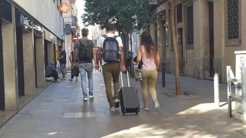 Barcelona establece mediadores entre vecinos y usuarios de pisos turísticos