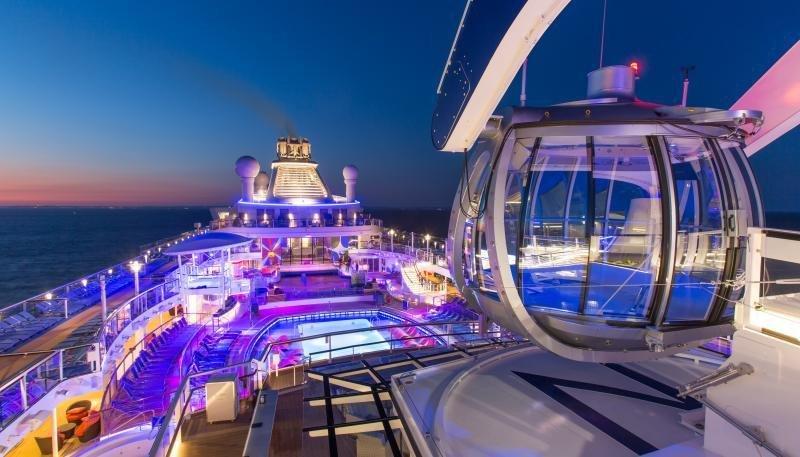 """La compañía está aprovechando las nuevas tecnologías, según Richard D. Fain, """"para mejorar cada nivel de nuestro negocio, cada minuto de las vacaciones de nuestros viajeros y cada centímetro de los barcos que construimos""""."""