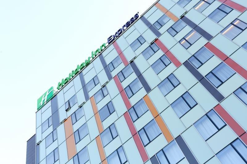 Holiday Inn Express se estrena en Moscú