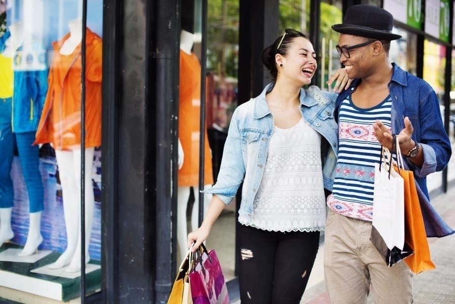 Los nueve millones de turistas que llegan cada año a España procedentes de países extracomunitarios, representan el 12% del total de visitantes extranjeros, pero aportan el 22% de los ingresos turísticos.