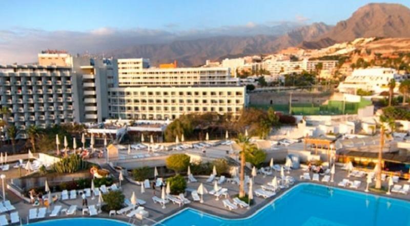Los hoteles de Tenerife, a favor de subir salarios