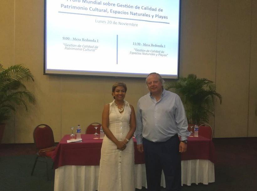 El presidente del ICTE, Miguel Mirones, y Zully Salazar, presidenta de la Corporación de Turismo de Cartagena de Indias.