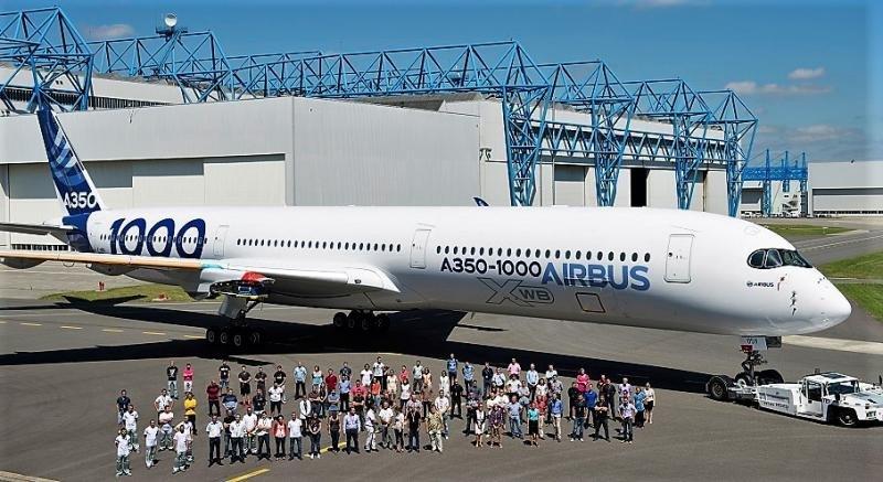 El primer A350-1000 que salió del taller de pintura (Foto: Airbus by Master Films/ A. Doumenjou).