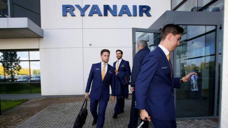 Foto archivo. Pilotos de en su sede de Dublín. PAUL FAITH (AFP)   ATLAS.