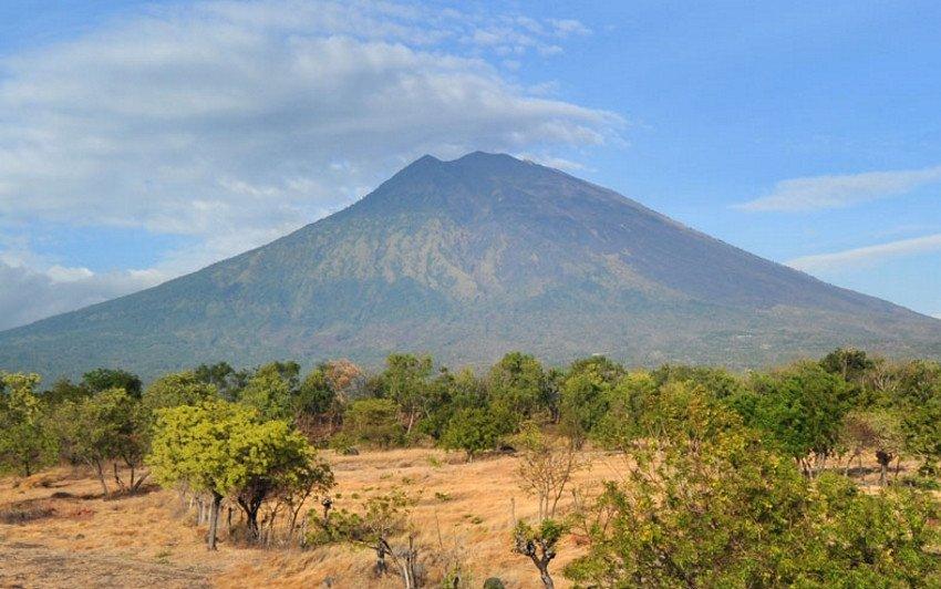 Las autoridades no creen que la actividad del Agung alcance la fuerza que mostró en 1963.