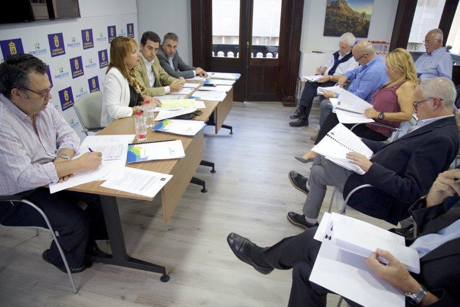 Reunión de la Junta Rectora del  Patronato de Turismo de Gran Canaria, presidida por  consejera insular de Turismo, Inés Jiménez.
